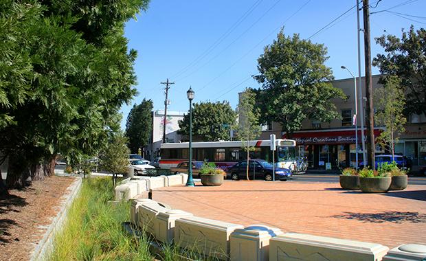 Sandy Boulevard Streetscape, Portland, Oregon